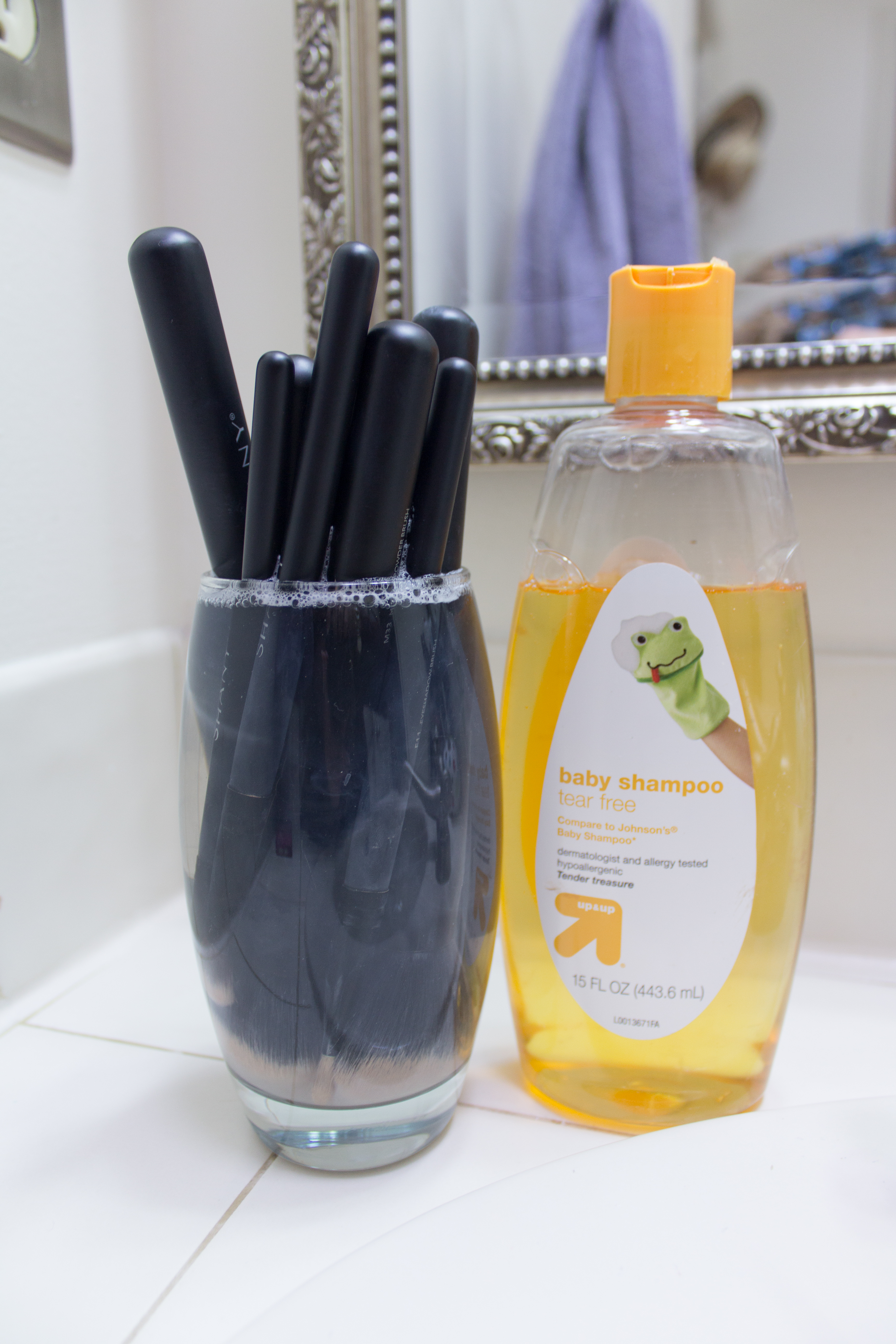 How To Wash Your Makeup Brushes Safely With Baby Shampoo 6
